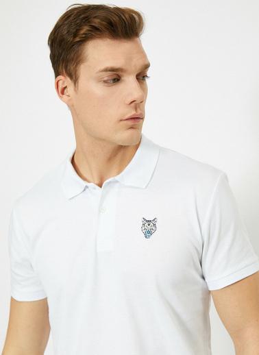 Koton Polo Yaka Gögsü Aslan Islemeli Slim Fit T-Shirt Beyaz